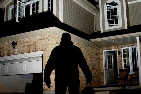 پیشگیری از سرقت با صدای آژیر دزدگیر خانه با دزدگیر آژیری منازل