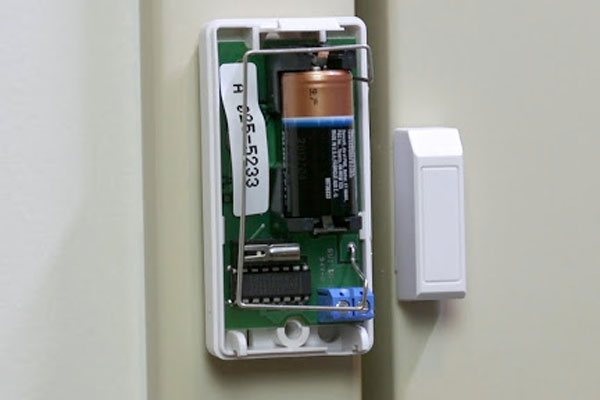 عملکرد با باتری، مهمترین ویژگی دزدگیر درب