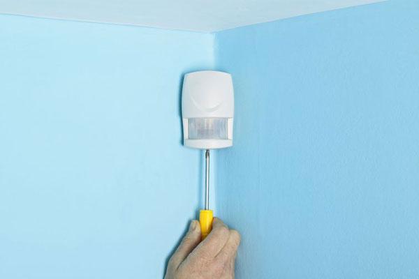 گوشه اتاق بهترین مکان نصب سنسورهای چشمی حرکتی دزدگیر