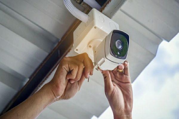 قابلیت تنظیم ارتفاع دوربین مداربسته